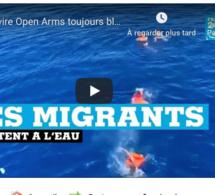 VIDEO - Le navire Open Arms toujours bloqué en mer, des migrants se jettent à l'eau