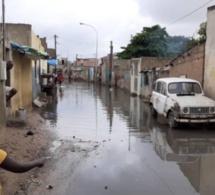 PHOTOS - Dégâts de la pluie en banlieue : routes inaccessibles, maisons envahies...