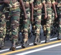Armée: les 17 militaires radiés menacent de se suicider