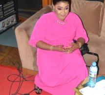 """Mensonges de Sonko, """"Nafékh de imam Kanté"""", Khalifa Sall, Pds,éléctions locales, la """"niarel"""" de Mame Goor, Fatou Thiam asséne ses vérités dans Célébrité en ligne sur la 2STV. REGARDEZ"""