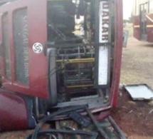 AUTOROUTE A PÉAGE: Un bus se renverse à hauteur de Sébikhotane