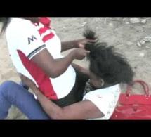 Kawtef – Pour une histoire de « far » : Deux collégiennes se bagarrent jusqu'au sang