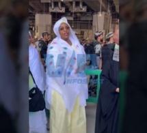 VIDEO: La premiére dame,Maréme Faye en mode délire à la Mecque