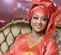 Adja Astou, l'animatrice de la 7tv démontre tout son élégance et sa beauté de femme africaine habillée en vrai jongoma