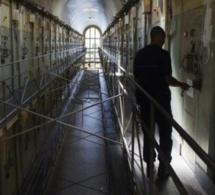 Covid-19 : Confinés depuis 2 mois, plus de 100 gardes pénitentiaire râlent
