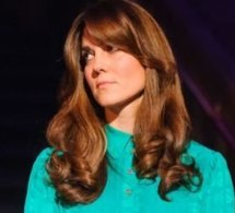 Kate Middleton change de coupe : un faux air de Farrah Fawcett !