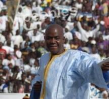 Bécaye Mbaye c'est qu'il est le meilleur, il le montre et il...sourit!