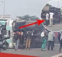Patte d'oie: Un conteneur écrase un minibus près de l'autoroute à péage
