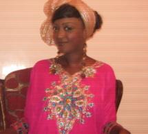 Gabrielle Goudiaby en habit traditionnel
