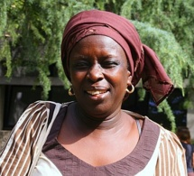 Portrait de Madjiguène Cissé, une militante africaine vaillante et souriante