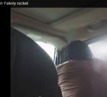 Exclusif : un policier filmé en flagrant délit de racket sur Tiken Jah Fakoly