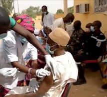 Aïssata Tall Sall ministre des affaires étrangère s'est vaccinée à son tour
