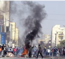 Manifestation à l'Unité 22 des Parcelles Assainies: Les policiers ont tiré sur un manifestant non armé portant le drapeau du Sénégal.