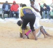 Lutte féminine à Demba Diop: Arrêtez ce cirque !