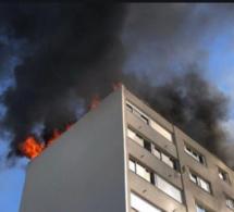 Incendie: Un bâtiment des Sphères ministérielles de Diamniadio en feu