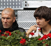 Enzo et Zinedine Zidane: Le fils dans l'ombre du père.