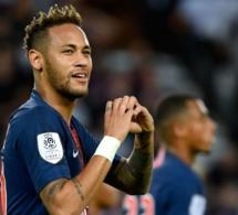Neymar prolonge ce samedi son contrat avec le PSG jusqu'en 2026