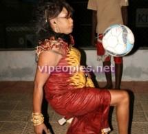 Qui a dit qu'elle était trop lourde pour du foot?