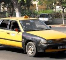 [INSOLITES] Un journaliste américain demande le pantalon d'un taximan pour pouvoir accéder au Palais