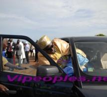 Pape Diagne, Le Grand Serigne de Dakar rentre difficilement dans sa voiture à cause de son « Grand Boubou »