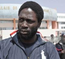 Trafic de visa ou mascarade : Kilifeu suspend ses activités dans Y'en a marre