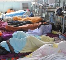 """210 enseignants des classes passerelles en grève de la faim au siège de Frapp: Ils dénoncent des """"recrutements entre apéristes"""""""