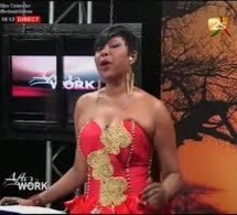2sTV - Bêtisier 2013 Aida Patra tombe en plein plateau - Regadez