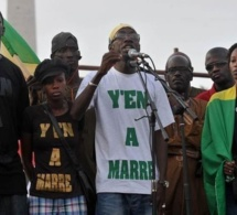 """Apportant son soutien aux activistes gambiens, Y'en a marre """"défie"""" Yahya Jammeh"""