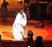 Le boubou et l´argent de Ouzin Keita volés à l'anniversaire de TITI au grand théâtre