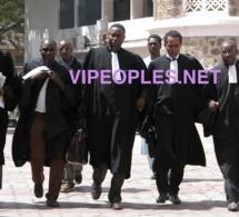 LE MINISTRE DE LA JUSTICE, Me SIRIKI KABA ACCOMPAGNE DE SES COLLEGUES AVOCATS