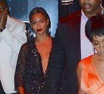 VIDEO - Début de problème - Jay Z abandonne sa femme et prend une autre voiture. Les deux sœurs partent de leur coté