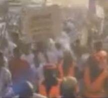 Vidéo: La démonstration de force de Macky Sall chez Idrissa Seck à Thiés