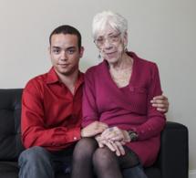 Insolite: À 31 ans, il est en couple avec une femme de 91 ans (photos et vidéo)
