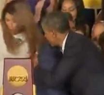 [Vidéo] Obama les fait toutes tomber