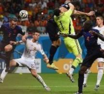 Résumé en vidéo: Espagne vs Hollande 1-5.La sévère correction infligée aux Champions du Monde en titre