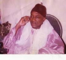Serigne Abdou Fatah Mbacké donne un Ndigël à ses talibés pour les calmer