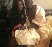Le chanteur Omaro trés amoureux de sa fiancée Adjaratou Maguichon.