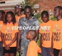 """Les enfants de Mini Boss rendent visite au nouveau roi du """"mbalakh"""""""