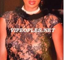 Le mannequin Kheysha Mbengue est- elle allergique au soutien gorge?