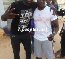 Moustapha Diop de Sen Art Vision en compagnie du manager de Papis Demba Cissé