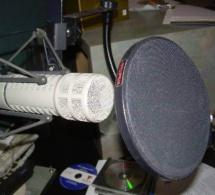 """Audio - Un célèbre revueur de presse achète son """"bayré"""" avec de faux billets"""