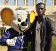Papis Demba Cissé offre des bourses à dix écoles de football