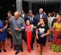 Le Président Abdou Diouf en compagnie de toute sa famille, accueilli par le Premier Ministre et le Ministre des Affaires étrangères