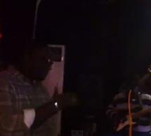 """VIDEO: Quand Pape Diouf chante Mbaye Séne """"wendelou"""" dans son new son"""" Mbakh""""en live au Baramundi"""