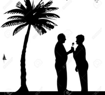 Un septuagénaire tombe amoureux d'une femme mariée et lui offre plus de 70.000.000 FCFA