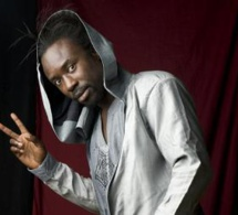 Le voyage acoustique de Sidy Samb Sunu, nouvel album du chanteur sénégalais disponible ce lundi sur le marché.