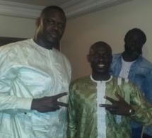 Les images de la visite de courtoisie de Pape Diouf chez Mouhamed Ndao Tyson et le maire de Pikine. Regardez
