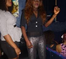 La discréte Séngalaise de Paris Ngone Flora en mode fiesta au Star Night.