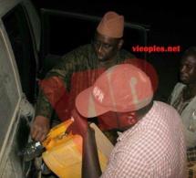 Macky Sall remplit son réservoir de carburant.
