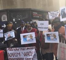 Manif des libéraux de Paris pour la libération de Karim Wade